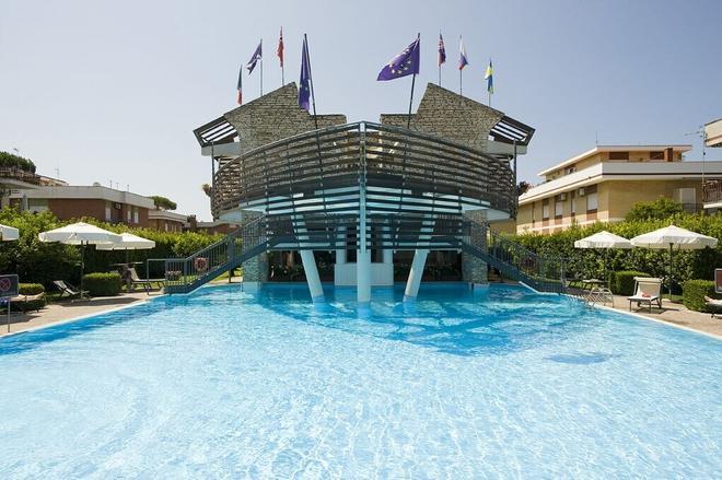 Hotel Poseidon - Terracina - Uima-allas