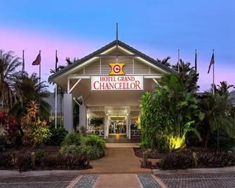 Hotel Grand Chancellor Palm Cove - Palm Cove - Building