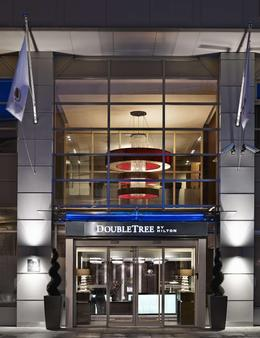 DoubleTree by Hilton London - Victoria - London - Building