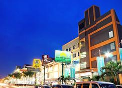 Wiltop Hotel - ג'אמבי