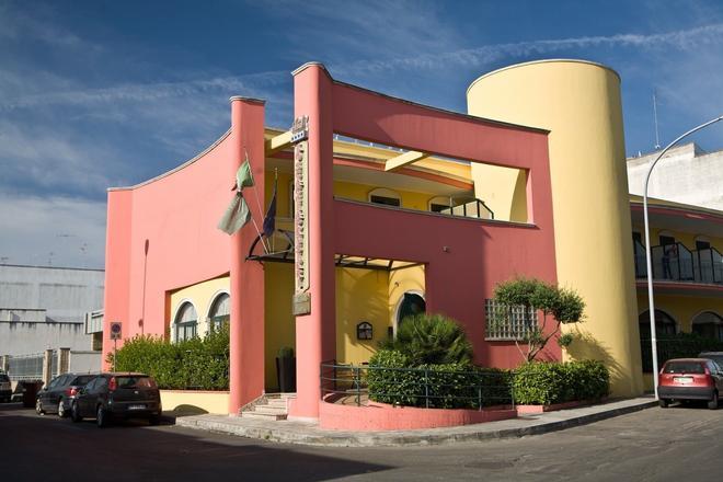 Lo Scacciapensieri Hotel & Restaurant - Lecce - Rakennus