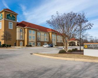 La Quinta Inn & Suites by Wyndham Huntsville Airport Madison - Madison - Building