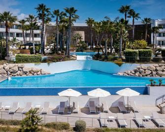 Dolce by Wyndham Sitges Barcelona - Sitges - Pool