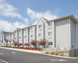 Microtel Inn & Suites by Wyndham Dover - Dover - Building