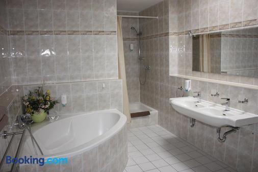 Hotel Maria - Greifswald - Bathroom
