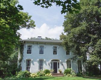 Orchard House Bed & Breakfast - Granville - Gebäude
