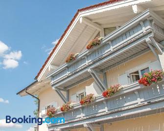 Hotel Garni Alpenblick - Bergen (Bavaria) - Building