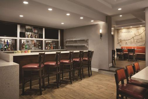 Embassy Suites by Hilton Temecula Valley Wine Country - Temecula - Bar