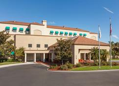 Embassy Suites by Hilton Temecula Valley Wine Country - Temecula - Bina