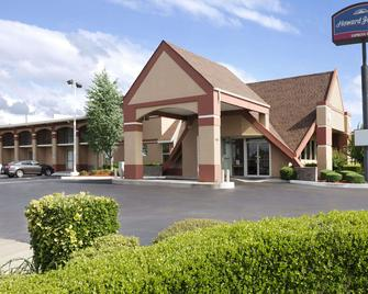 Howard Johnson by Wyndham Oklahoma City Airport/ Fairgrounds - Оклахома Сити - Здание