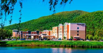 Springhill Suites by Marriott Fishkill - Fishkill - Building