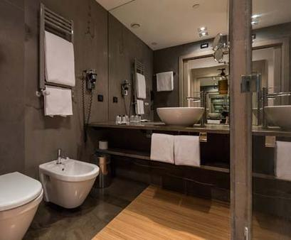 The Hub Hotel - Milan - Bathroom
