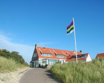 Strandhotel Terschelling - Lies - Building