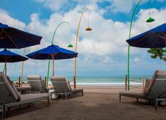 Courtyard by Marriott Bali Seminyak Resort - Kuta - Playa