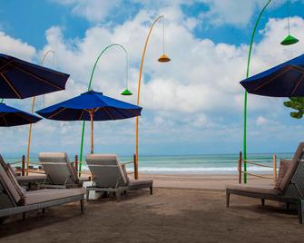 Courtyard by Marriott Bali Seminyak Resort - Kuta - Beach