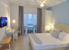 Seafront Studios And Apartments - Isla de Quíos - Habitación