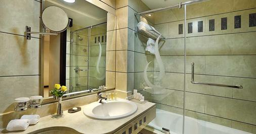 City Seasons Hotel Muscat - Muscat - Bathroom