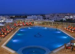 City Seasons Hotel Muscat - Muscat - Pool