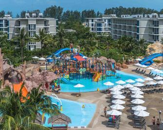 Splash Beach Resort, Mai Khao, Phuket - Mai Khao - Zwembad