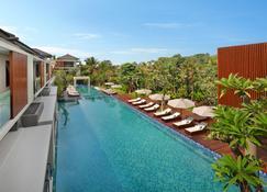 Royal Kamuela Villas & Suites at Monkey Forest, Ubud - Ουμπούντ - Πισίνα