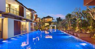 Royal Kamuela Villas & Suites at Monkey Forest, Ubud - Ubud - Pool