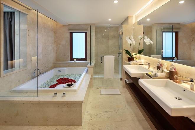 Royal Kamuela Villas & Suites At Monkey Forest, Ubud - Ubud - Bathroom