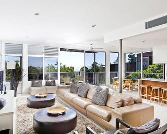 Peppers Noosa Resort & Villas - Noosa Heads - Obývací pokoj