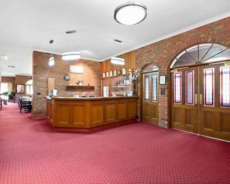 Country Plaza Halls Gap - Halls Gap - Front desk