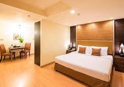 Aspen Suites Hotel Sukhumvit 2 Bangkok by Compass Hospitality - Bangkok - Bedroom