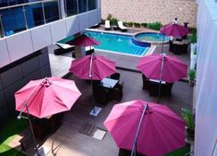 Seasons Hotel & Spa - Nampula - Svømmebasseng