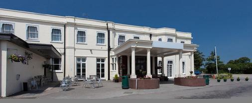 Russ Hill Hotel - Horley - Toà nhà
