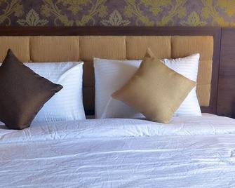 Hotel Safira Magelang - Magelang - Slaapkamer
