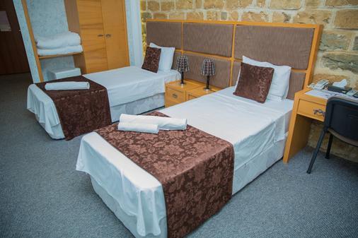 Old East Hotel - Baku - Phòng ngủ