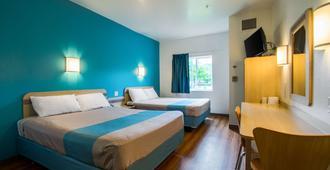 Motel 6 Portland North - Portland - Bedroom