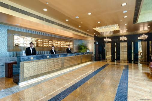 ベスト ウェスタン ホテル ハーバービュー - 香港 - フロントデスク