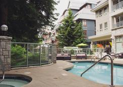 Summit Lodge Boutique Hotel - Whistler - Pool