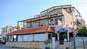 Hotel Delfin - Zadar - Building