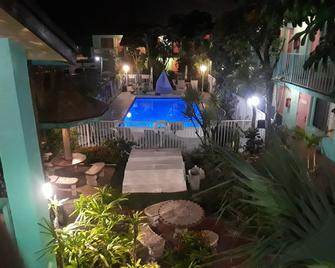 New Sungate Motel - Lake Worth - Piscina