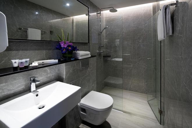 Hotel Classic by Venue - Singapore - Bathroom