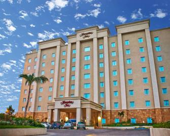 Hampton Inn by Hilton Tampico - Tampico - Building