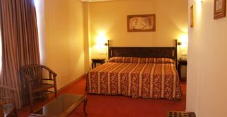Hotel Don Luis - מדריד