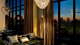 Sixty Les - New York - Living room