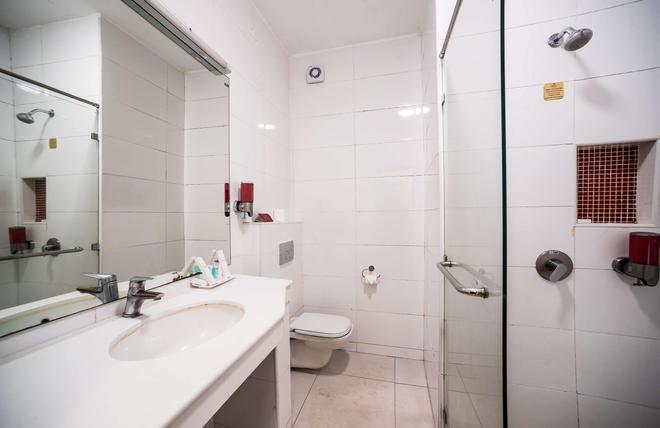 哈帕塔路榮譽酒店 - 奈洛比 - 內羅畢 - 浴室