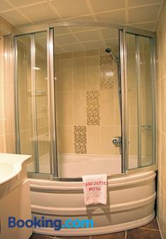 Grand Zeybek Hotel - Izmir - Bathroom