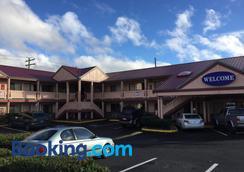 Welcome Everett Inn - Everett - Building