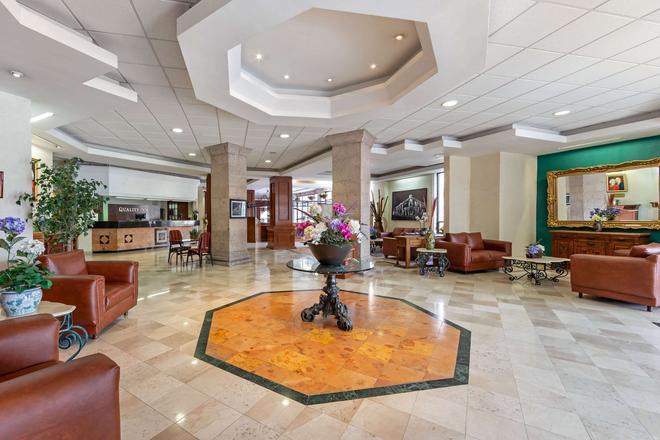 Quality Inn Aguascalientes - Aguascalientes - Lobby