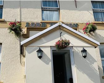 Lord Nelson Hotel - Bargoed - Building