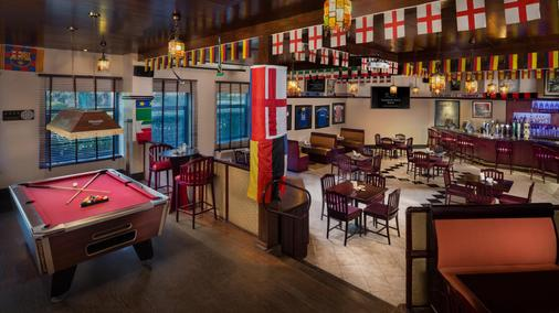 Ajman Hotel - Ajman - Bar