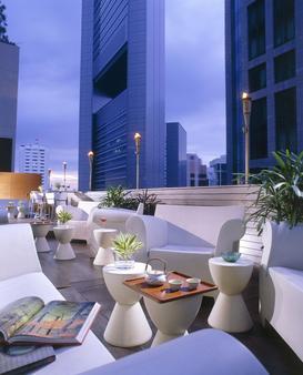 M Hotel Singapore - Singapore - Bar