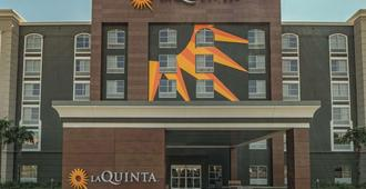 La Quinta Inn & Suites by Wyndham San Antonio Downtown - San Antonio - Rakennus